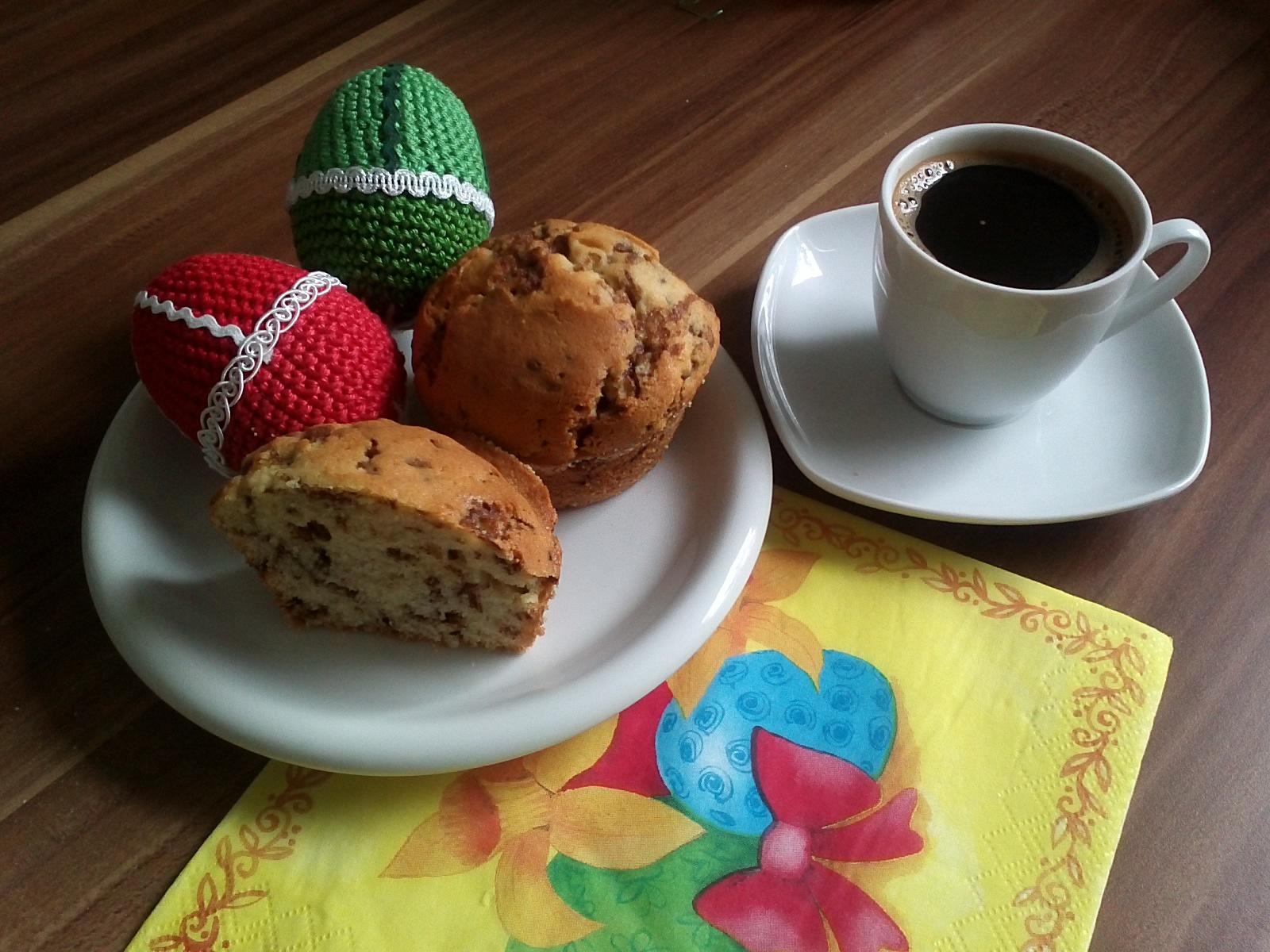 Straccietella Muffin mit Espresso und Osterdeko