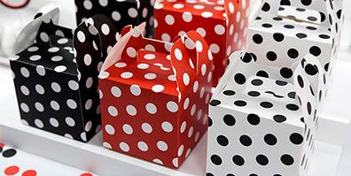 Geschenkboxen gepunktet