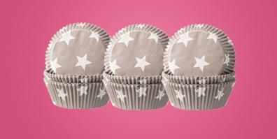 Muffinförmchen fettdicht Sterne grau weiß