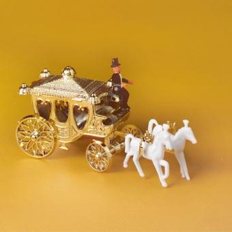 goldener kutsche hochzeit torten deko. Black Bedroom Furniture Sets. Home Design Ideas